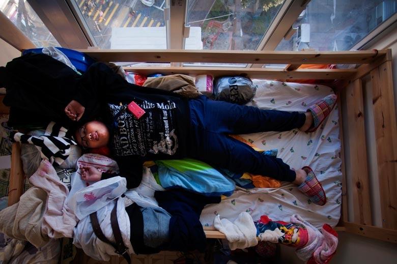 攝於2011年,組織深水埗「無家者之家」,專為低收入貧困人士提供暫住服務,雖然都是劏房,但環境光猛,有空調,衛生情況良好,可謂劏房中的天堂。